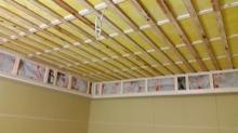 遮音補強後に天井は吸音天井に仕上げていきます。吸音天井完成後にハウスメーカさんに引継ぎクロス施工をしていただきます。
