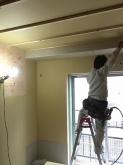 防音室の壁が出来上がってきました。 躯体に触れないお部屋を造っています。