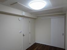 収納は片引き戸で計画し、ご友人にお部屋をお貸しすることもあるそうなので鍵付で計画しています。