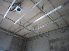 天井も同様に遮音補強していきます。
