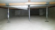 弊社防音室はかなりの重量に仕上がりますので床下に束補強を行いました。