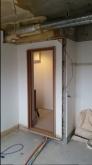 解体作業が終わりました。 クローゼットも取り壊し、防音工事を施した後にもう一度作り直します。