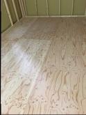 床はゴムで浮かせた浮き床を作ります。