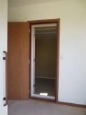 2重でドアを設置しますので廊下側は他のお部屋と印象を合わせ、防音室側を好きな色味にされるのもおすすめです。