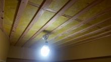 遮音補強後に天井を吸音仕上げにしていきます。