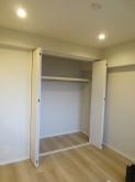 既設クローゼットも使用できるようにお部屋を作っていきます。