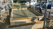 基礎工事をしています。 べた基礎の上に浮き床コンクリートを打ちました。