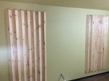 壁に反響板を設置しました。 音を拡散させます。 木工事が完了したので音テストを行いました。