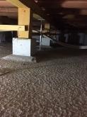 床下に束補強を行いました。 6畳のピアノ用防音室がおよそ1.5トンに仕上がります。それにピアノや楽譜棚等を含めると2トンを超えます。