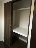 押し入れが完成しました。 マンションでの収納スペースは貴重です。 防音室内に作るのもいいですし、隣部屋に反転させることもおすすめです。