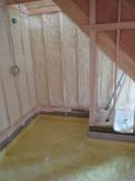 工務店さんから引き継ぎ弊社の工事が始まりました。 まずは浮き床コンクリート工事です。