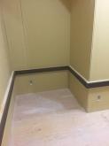 バンド系のお部屋なので天井と壁に吸音パネルを設置します。 壁にはパネルを置く腰見切りを設けています。