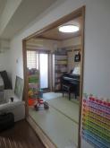 改修前のお部屋です。 リビング横の和室です。