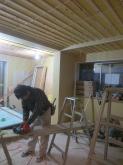 洋室とガレージがつながりました。 遮音補強を行い、天井を吸音天井に仕上げています。