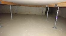 床下には束補強です。 防音室自体もかなりの重量に仕上がるので床下補強も必須です。
