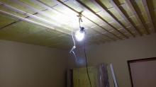 遮音補強後に天井を吸音天井に仕上げます。 下地組の様子です。