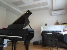 ピアノが搬入されました。