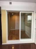リビングからは掃き出し窓で連動した空間に仕上げています。