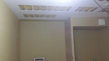 防音室側の壁と天井ができあがりました。 天井は吸音天井に仕上げていきます。