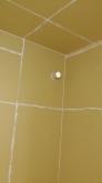 第1の壁(躯体壁)が出来上がりました。 中に宙に浮いたお部屋を造っていきます。