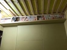 天井を吸音天井に仕上げていきます吸排気ダクトボックスをつくっています。 防音室は気密性の高いお部屋になるので吸排気システムは必須です。。
