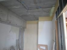 解体作業です。 収納も撤去しお部屋を広く使います。