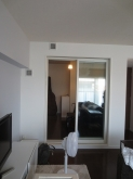 出入口は樹脂サッシの掃き出し窓を設け、リビングと連動した空間に仕上がっています。