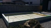 浮き床コンクリートの下地組みです。