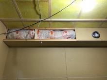 吸排気ダクトボックスを天井に梁型で仕上げます。 防音室は気密性が高いので吸排気システムは必須と考えます。