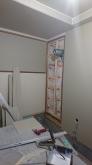 既設収納の建具を撤去し壁にします。 収納スペースは隣部屋の収納に変身です。