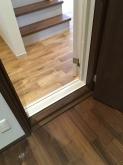 入り口は木製防音ドアが入りました。 基本的には2重で設置します。