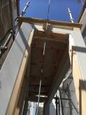 柱を組み屋根を造作しました。