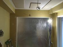 天井は吸音天井に仕上げています。 音の響きを調節して長時間の演奏にも疲れにくいお部屋を計画しています。