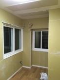 吸音天井と床のフロア張が完了です。
