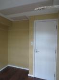 入り口は木製防音ドアで計画しています。吸音天井も完成しています。