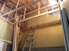 コンクリイートも乾き、弊社の木工事が始まりました。 躯体の遮音補強です。