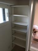 クロス施工後に楽譜棚と収納の棚の取り付けに伺いました。