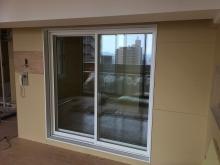 リビングからは掃き出し窓で開放的な空間に仕上げています。