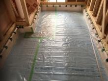 本体が上棟後に床コンクリート工事に入らせて頂きました。