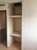 改修前のお部屋です。 既設収納は反転させて廊下側の収納につくりかえます。