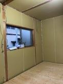 躯体壁と天井の遮音補強を行い、浮き床を施工しました。