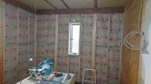 躯体壁の遮音補強を行いました。 空気層には断熱材をぎっしり詰めています。
