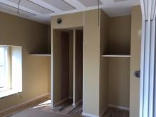 防音処理を施し、可動式の収納棚を設けました。