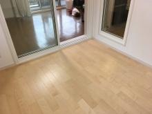 クロス施工完了です。引き渡しとなりました。 床材も明るい色味を選んでいただいたので爽やかな雰囲気のお部屋です。