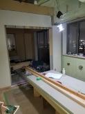 リビング側の壁に開口部を設けました。 躯体の遮音補強をしています。