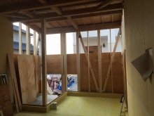 増築部外壁下地工事です。 内部は浮き床コンクリート下地を行いました。