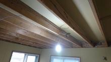壁と天井の躯体補強です。