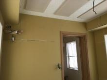 木工事完了です。 天井は吸音天井に仕上げて音の響きを調節しています。