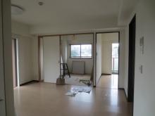 改修前のお部屋です。 リビングからは木製防音ドアを設置し、独立したお部屋に仕上げます。