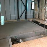 先に浮き床コンクリート工事に入らせていただきました。
